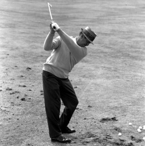 A great image of Sam Snead with his trailing arm bent to his side and creating lag with both hands gripping for control.  [Unfortunately I could not find the Arnold Palmer example.]